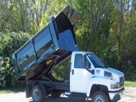 Landscape Tipper with powerful Lo-Boy hoist offers easy operation, safety and long service life.